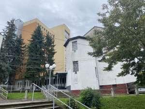 Nagyanizsai Cserháti Szakközépiskola 1700db lámpa ledesítése! | BereczEpito.hu
